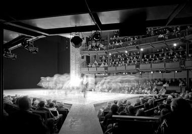 Сцена Королевского Шекспировского театра.  Фото изархива автора