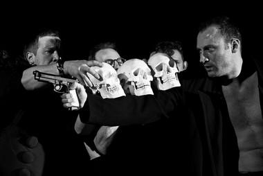 Сцена изспектакля «Околоноля». ФотоФ.Резникова