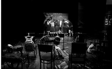 Сцены изспектакля. ФотоО.Черноуса