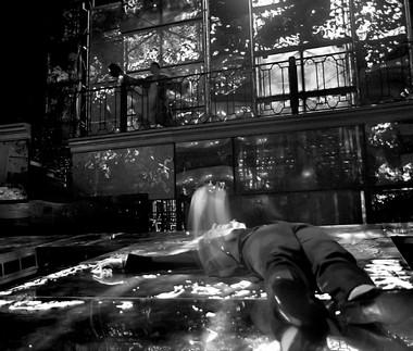 Сцена изспектакля «Двойник». Александринскийтеатр. ФотоВ.Сенцова