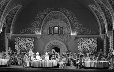 Сцена изспектакля. Фото Д. Юсупова