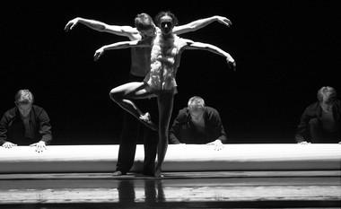 Сцена изспектакля «Объект перемен». Фото Н. Разиной
