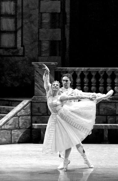 М.Меньшикова (Мария), М.Фадеев (Гирей). ФотоА.Завьялов
