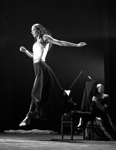 Э.Шпокайте (Дездемона). «Отелло». Театр «Meno fortas». 1999. Фото В. Луповского