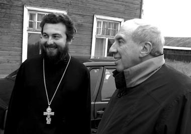Отец Иоанн и С. Юрский. Фото из архива автора