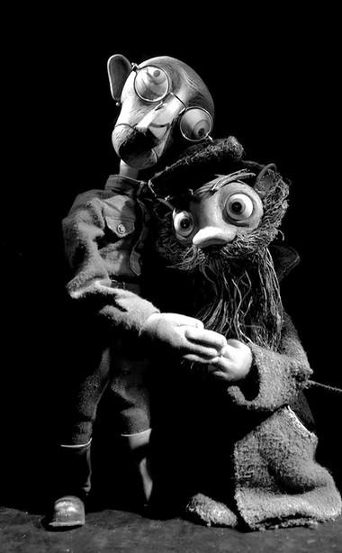 «Ленинградка». Сцены изспектакля. Фото изархива театра
