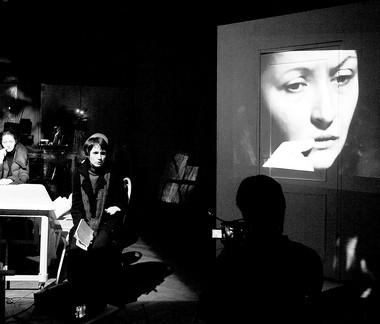 «Антитела». Сцена изспектакля. Фото Я. Пирожковой