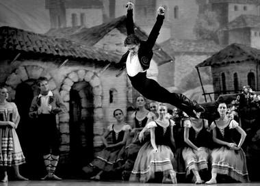 Сцена изспектакля «Дон Кихот».  Фото С. Левшина