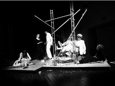Сцена изспектакля. Фото Е. Бабской