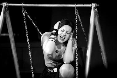 В.Васильева (Двори Махнес). «Игры назаднем дворе». Фото Т. Кучариной
