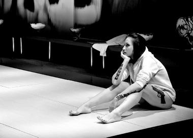 Д.Емельянова (Гедда). «Гедда Габлер». Театр «Красный факел». Фото И. Игнатова