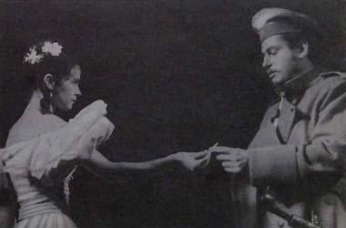 О.Гордийчук (Мери) иА.Белошев (Грушницкий). Фото В. Красикова