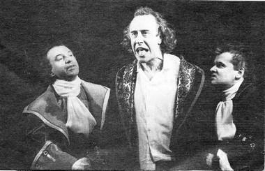 А.Сулимов (Симон), С.Мигицко (Лунардо) иЕ.Баранов (Канчано). «Самодуры». Открытый театр.  Фото В. Васильева