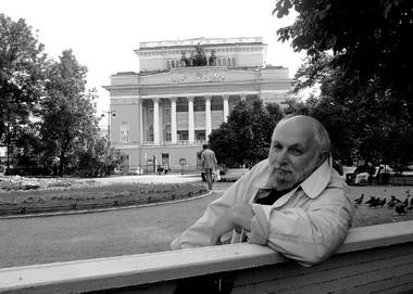 УАлександринского театра. Фото М. Дмитревской