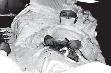 Операция вЗаполярье. Настоящая. Фотография неожиданно найдена вИнтернете вмомент верстки. Гинкас незнал оеесуществовании
