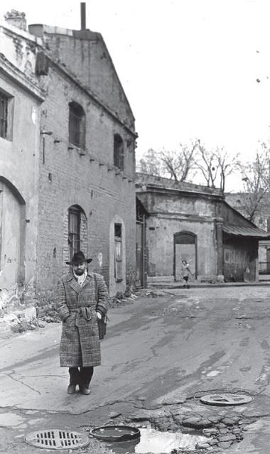 К.Гинкас вАпраксином дворе. 1991г. Фото изсемейного архива