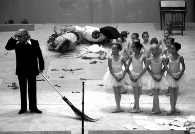 Сцены изспектакля. «Школа драматического искусства». Фото Н. Чабан