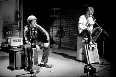 М.Быков (Сека), А.Заподойников (Дюша). «Убийца». Фото изархива фестиваля