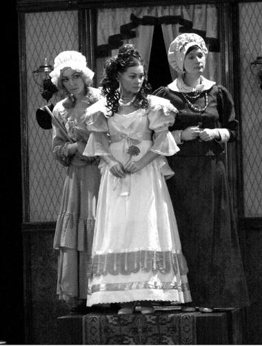 «Женитьба». Сцена изспектакля. Фото изархива театра