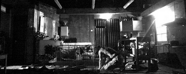 Фрагменты секса на чёрно белых фото 23 фотография