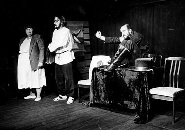 «Хармс». Сцена изспектакля.  Фото изархива театра