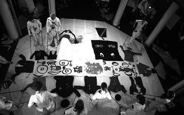 «Демон. Вид сверху», режиссер Д.Крымов. Сцена изспектакля.  Фото М. Гутермана