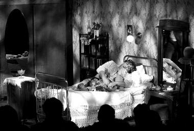 «Соня», режиссер А.Херманис. Сцена изспектакля.  Фото В. Луповского