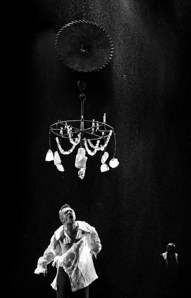 А.Мамонтовас (Гамлет). «Гамлет», режиссер Э.Някрошюс.  Фото В. Луповского