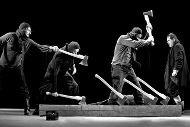 «Макбет». Сцены изспектакля.  Фото В. Луповского