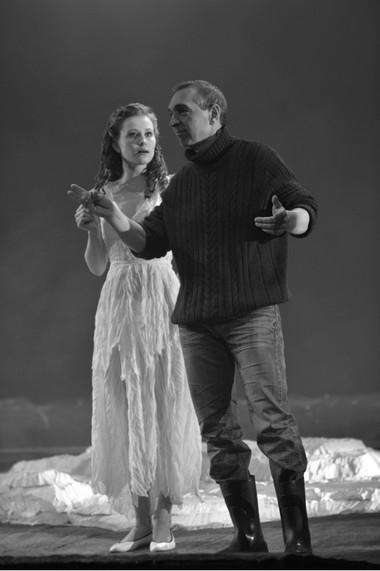 А.Егошина (Верочка), М.Окунев (Сергей Сергеевич).  Фото А. Кудрявцева