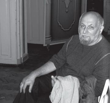 К.Гинкас удверей Малой сцены. Фото М. Дмитревской