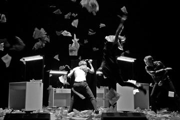«Гамлет». Режиссер Э. Някрошюс. Театр «MENO FORTAS». Вильнюс, Литва