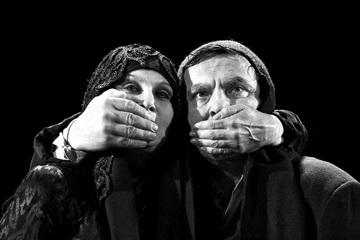 Д.Сторик (Леди Макбет), К.Сморигинас (Макбет). «Макбет». Режиссер Э. Някрошюс. Театр «MENO FORTAS». Вильнюс, Литва