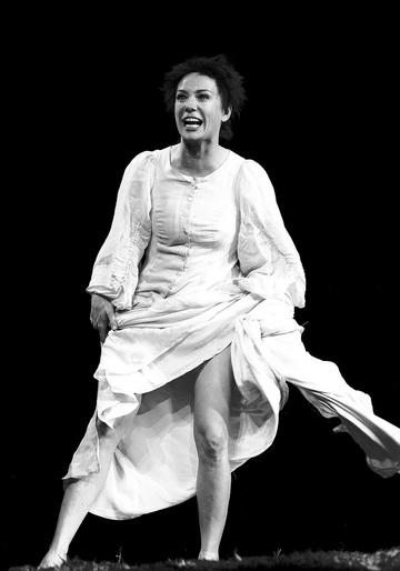 Ч.Хаматова (Мария Стюарт). Фото Е. Сидякиной