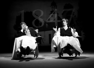 Х.Кальмет (Тургенев), Р.Симмуль (Белинский). «Берег утопии. Вторая часть. Кораблекрушение». Эстонский театр драмы. Фото С. Вахура