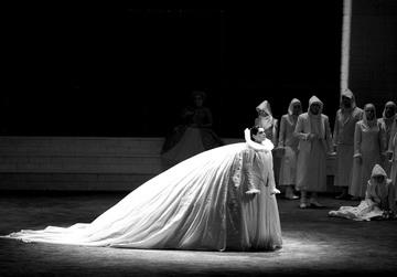 Х.Герзмава (Лючия). «Лючия диЛаммермур». Фото О. Черноуса