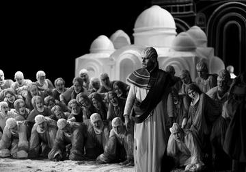 Сцены изспектакля. Астраханский театр оперы ибалета. Фото Р. Кондрашина