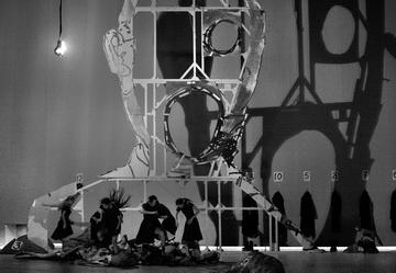 Сцена изспектакля. Большой театр. Фото В. Луповского