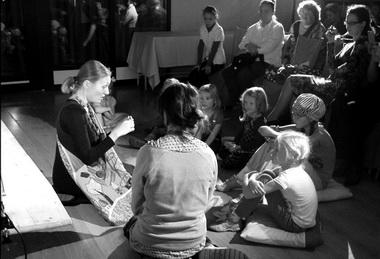 «Сказки измаминой сумки». Проект «Детство нового героя». Фото С. Кочериной