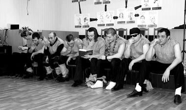 Сцены изспектакля. Фото предоставлены пресс-службой ГУФСИН России поРостовской области