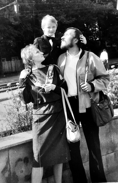 Семья Кулябиных: Ирина Васильевна, Тимофей, Александр Прокопьевич. Фото изсемейного архива