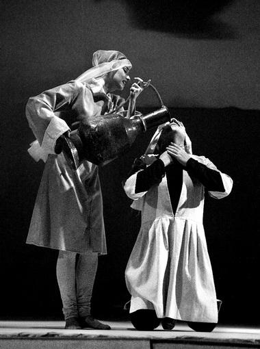 М.Дубовицкая (Дочь курда), Т.Рагимов (Хейр). Фото изархива театра