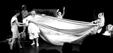 «Шуточка». Театр-студия «Паяц». Фото изархива фестиваля