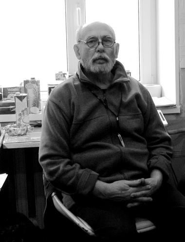 Г.В.Изотов врадиоцехе. 2007г. Фото М. Дмитревской