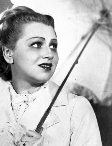 Н.Ольхина (Лариса Огудалова). «Бесприданница». 1948г. Фото изархива БДТ им. Г.А.Товстоногова