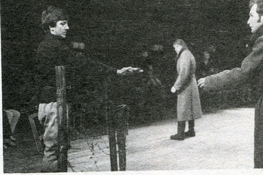 А.Насибулин иА.Мирочник вспектакле «Сотников». Фото А. Укладникова