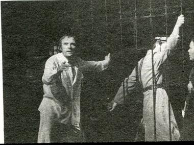 Ю.Овсянко (Фролов) иН.Усатова (Аграфена).«Если иначе нельзя». Фото А. Укладникова