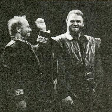 А.Толубеев (Банко) иГ.Богачев (Макбет). Фото Б. Стукалова