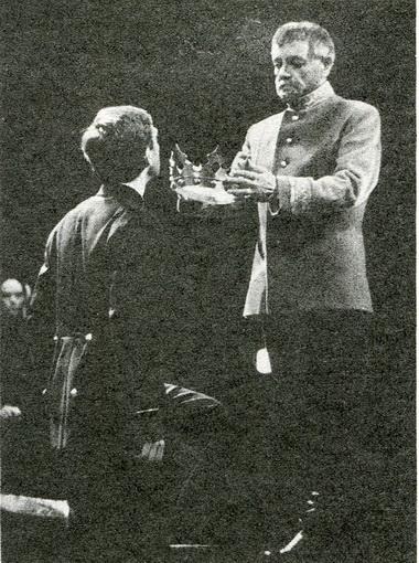 К.Лавров (Дункан) иМ.Морозов (Малькольм). Фото Б. Стукалова