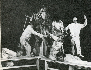 «Финист— ясный сокол». Сцена изспектакля. Фото Ю. Белинского